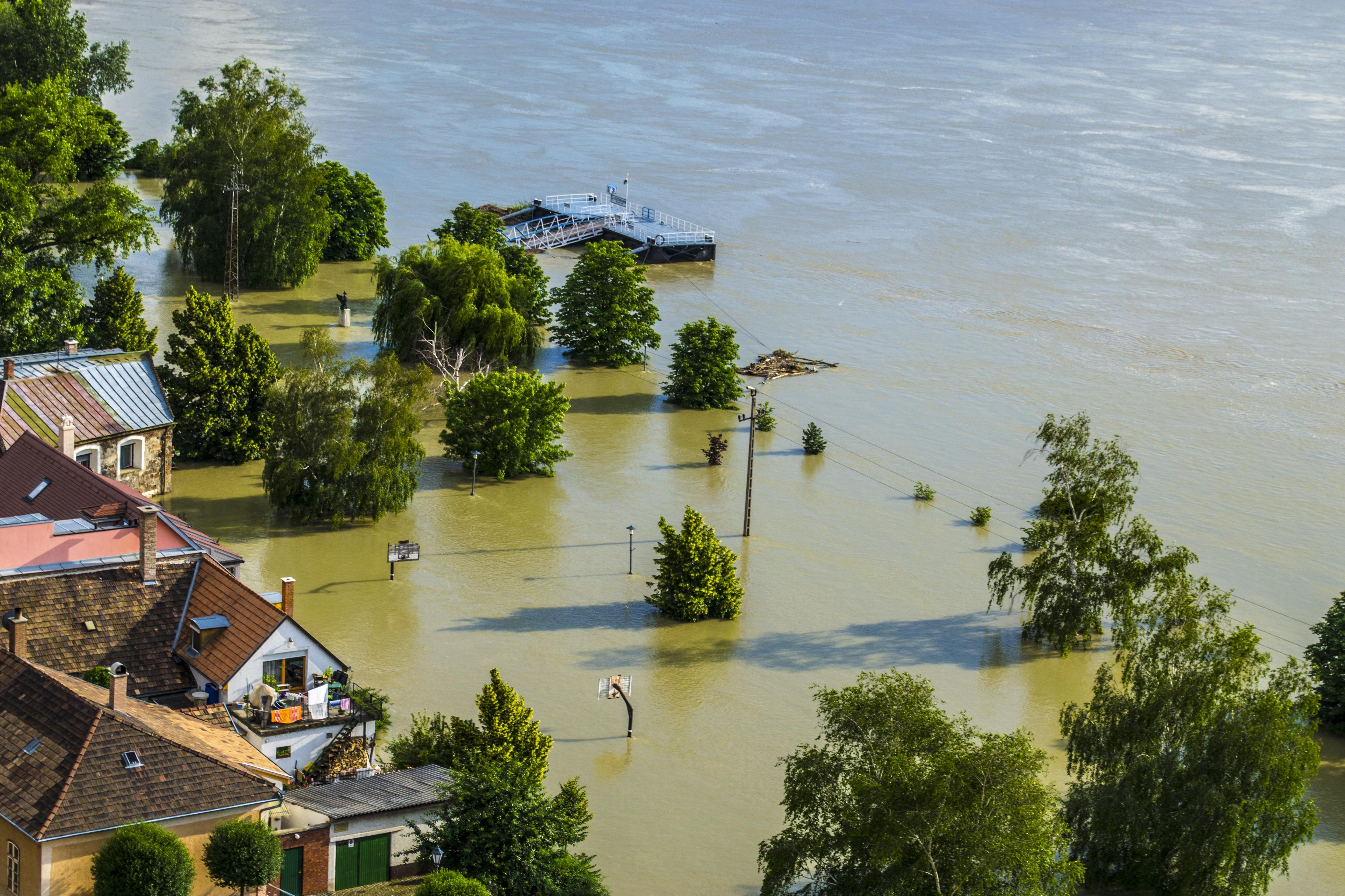 Schimbările climaterice vor provoca mai multe inundații și perioade de secetă în Europa