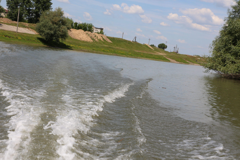 Nisipul și prundișul ajung la parlamentari. Guvernul a aprobat repetat interdicții privind aluviunile din Nistru și Prut