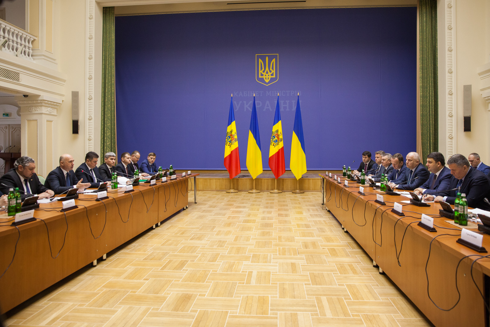 """Premierul ucrainean despre hidrocentralele pe Nistru: """"Vrem să discutăm problema cu savanții și experții moldoveni"""""""