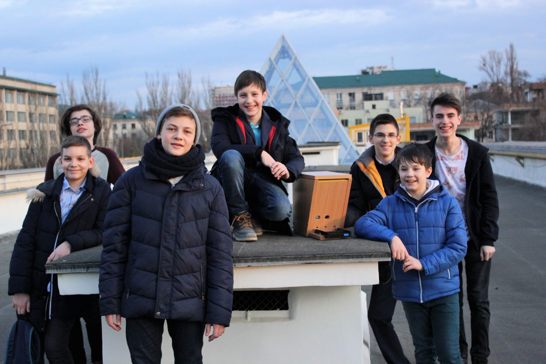 O hrănitoare-robot pentru păsări a impresionat juriul de la FIRST LEGO League Moldova 2017