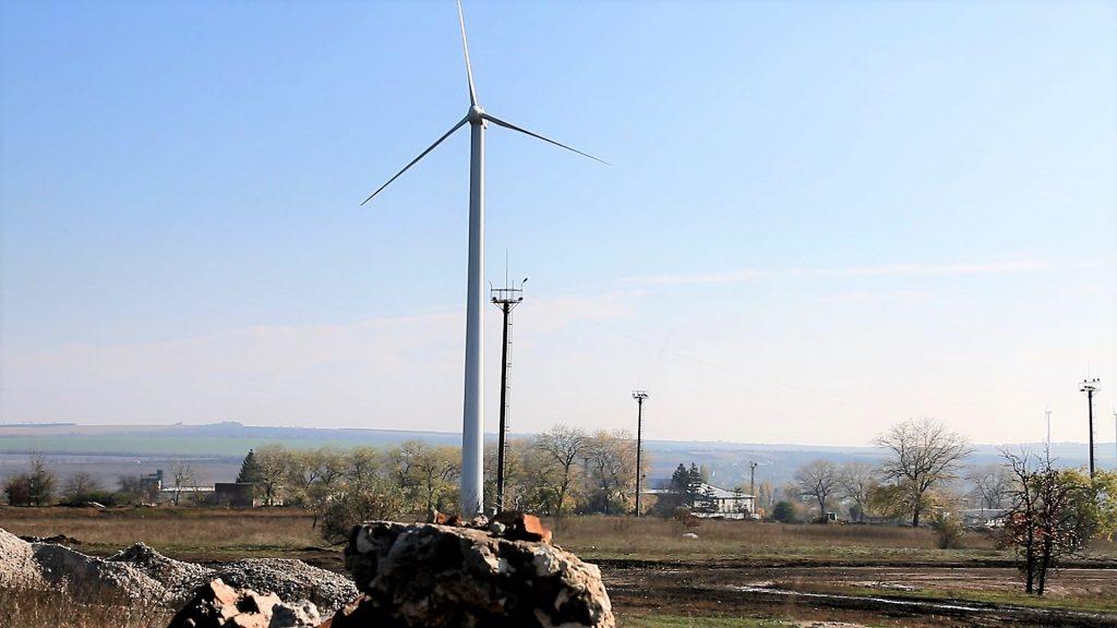 Cupcini - două turbine așteaptă să fie puse în funcțiune