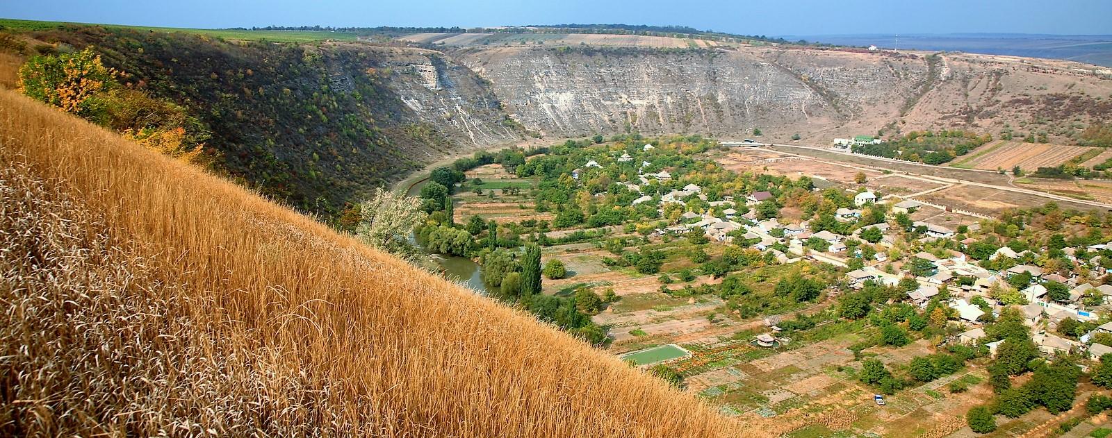 Descoperim cel mai spectaculos canion din Moldova