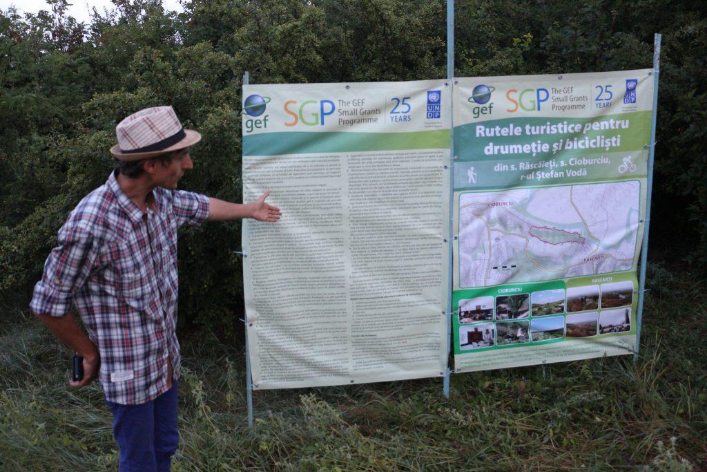 Panou informativ pe traseul turistic Cioburciu-Răscăieți-Cioburciu