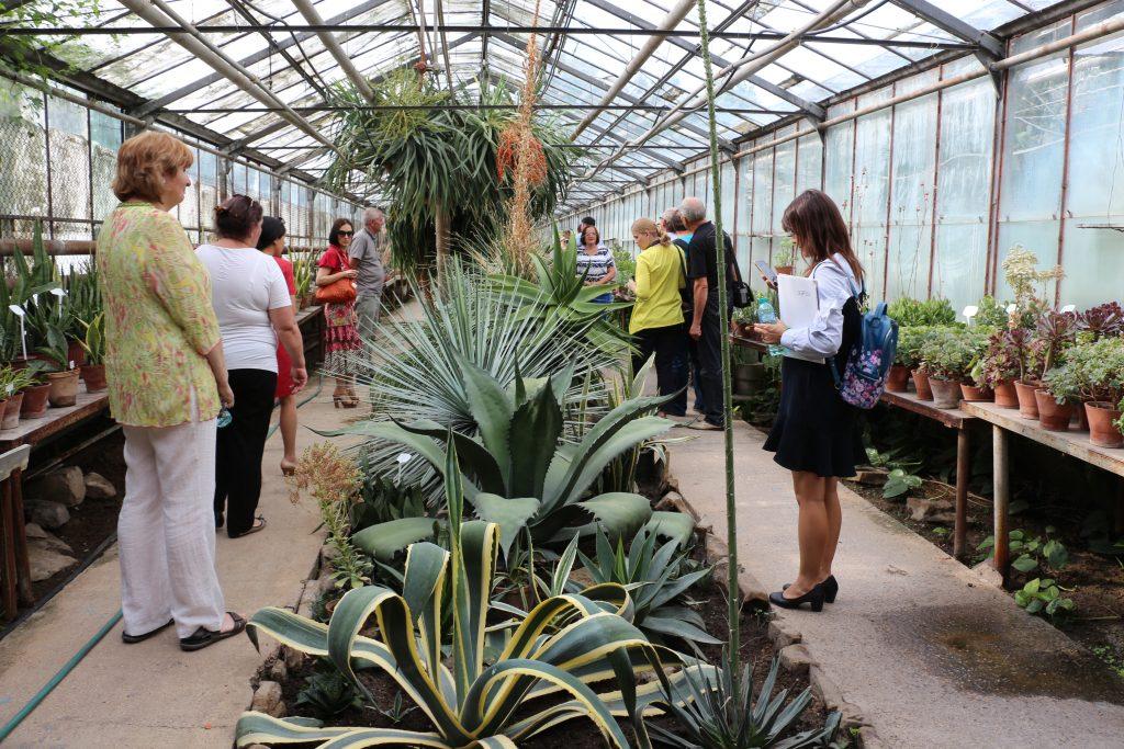 Vizită în teren la Grădina Botanică - tur ghidat in sere