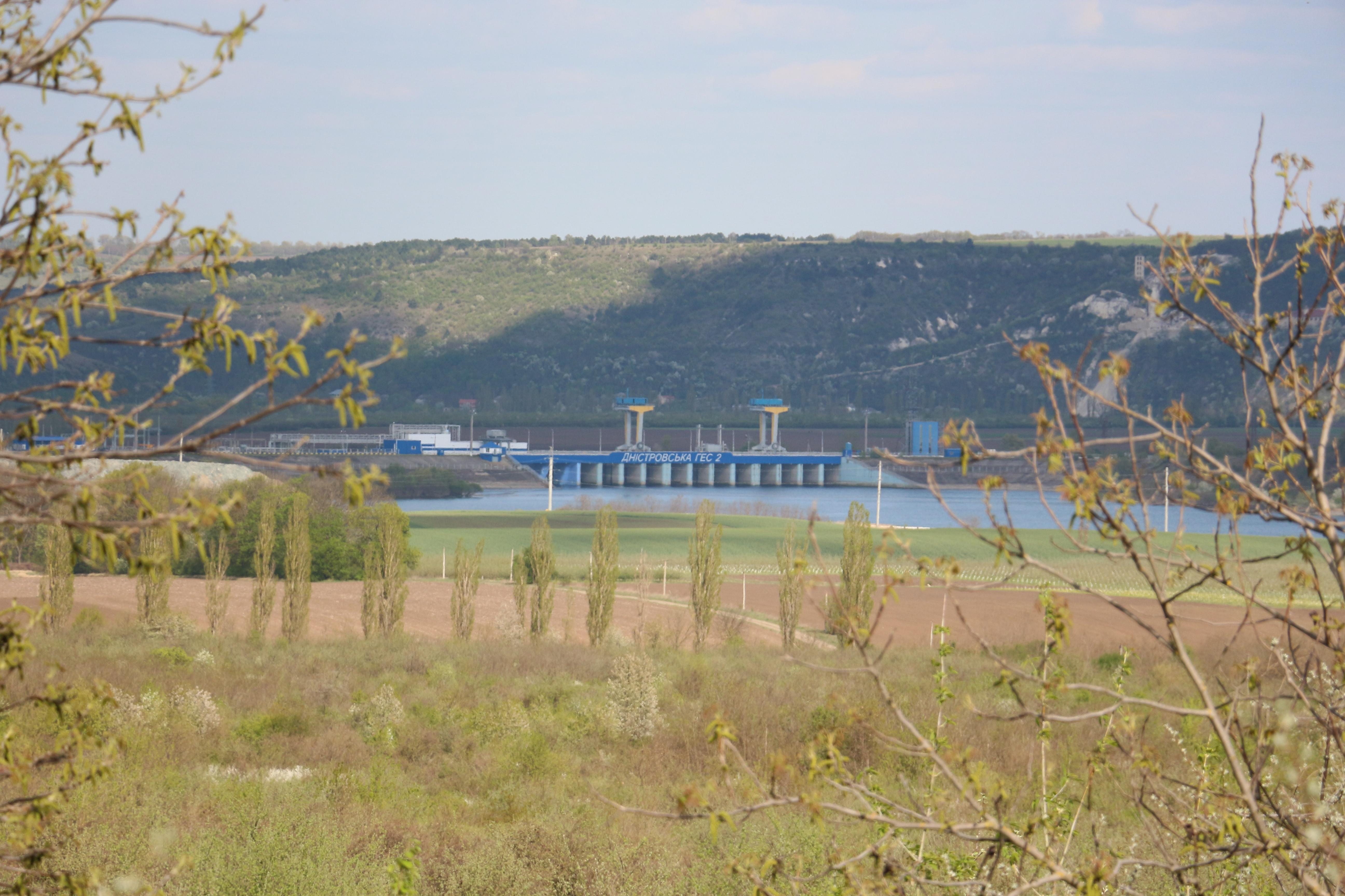 Vedere a tamponului hidraulic din apropiere de satul Naslavcea, Ocniţa, R. Moldova Foto: Lilia Curchi