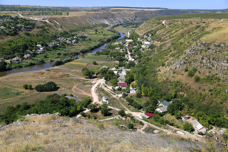 Pitorestul râului Răut în arealul Rezervației cultural-naturale Orheiul Vechi Foto: Alecu Renița