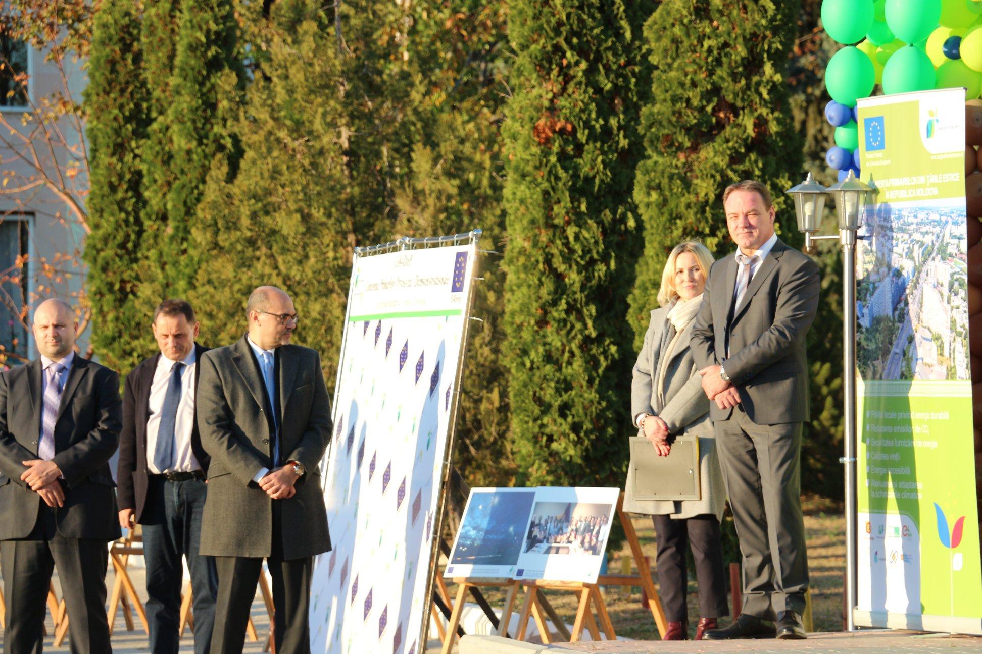 Cantemir, 8 noiembrie, inaugurarea iluminatului stradal inteligent și eficient, proiect realizat în cadrul Programului Convenția Primarilor-Proiecte Demonstraționale