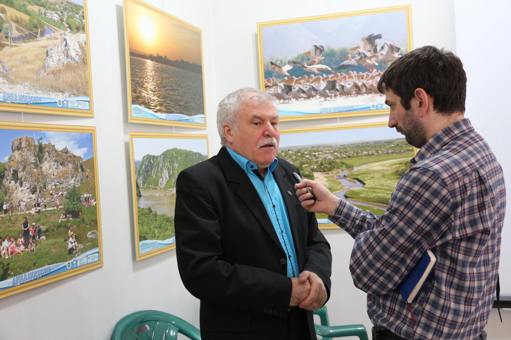 Declarații pentru presa locală: Alecu Reniță, președintele MEM în discuție cu jurnalistul Vadim Șterbate