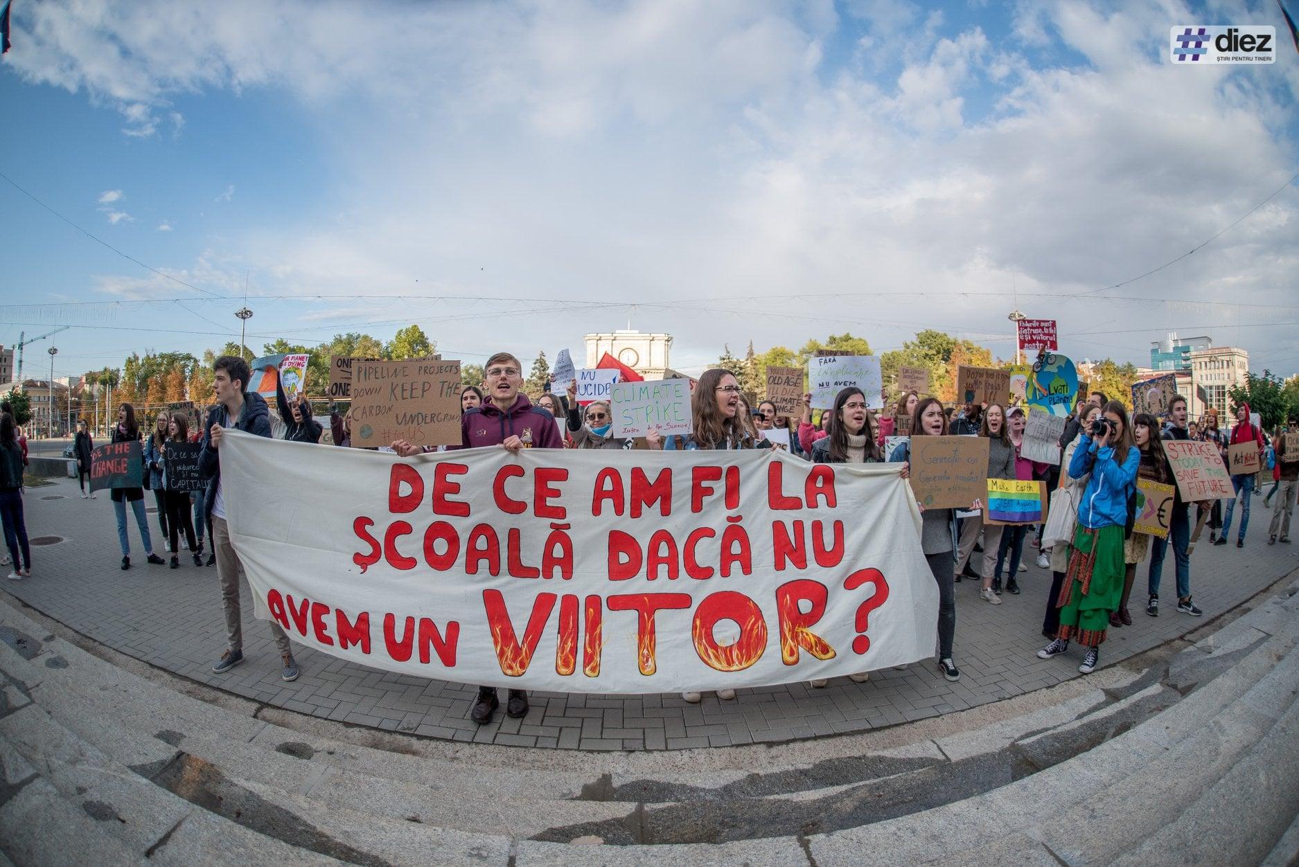 20 septembrie 2019 - elevii din Chișinău s-au alăturat protestului mondial Fridays for Future. Foto: Diez.md