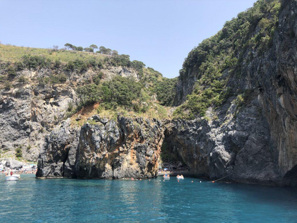 Calabria, un pământ magic între cer şi mare
