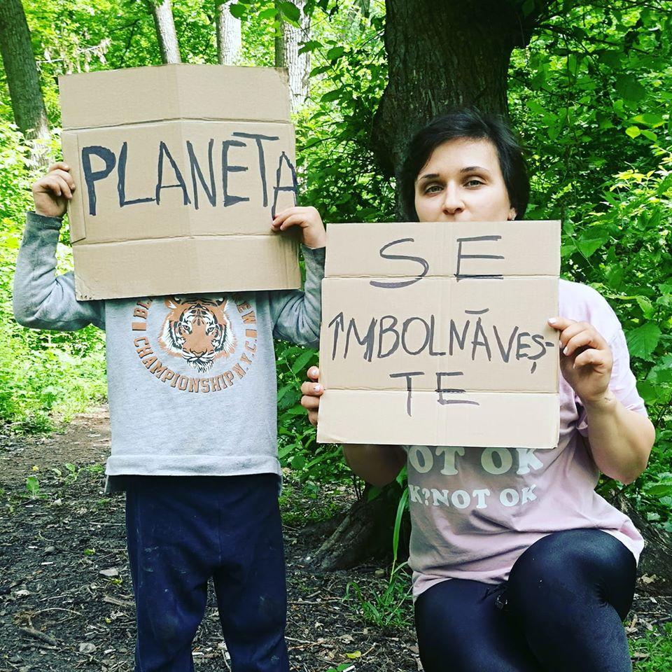 /FOTO/ Mamele, cele mai potrivite promotoare ale unui mod de viață sustenabil