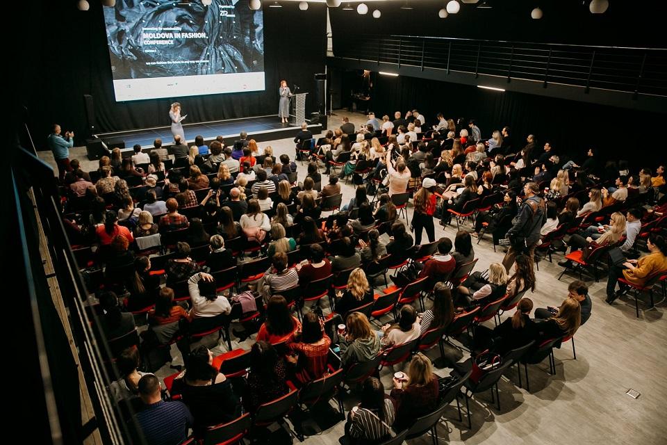 """Conferința """"Moldova in Fashion"""": Moda, a doua cea mai poluantă industrie din lume"""