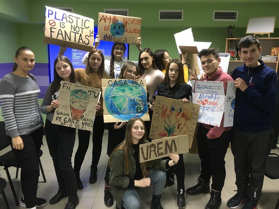 Centrul de Informare și Documentare privind Drepturile Copilului, îngrijorat de presiunile asupra elevilor care participă la Grevele pentru Climă