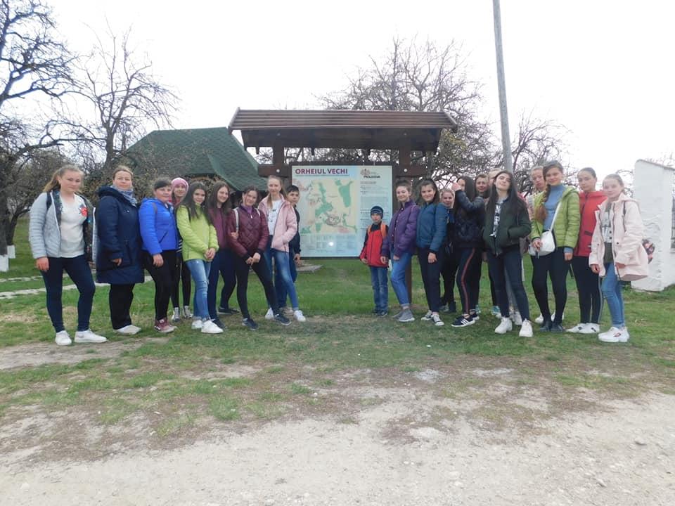 Elevii Gimnaziului Mascauti in excursie la Centrul de expozitie al Rezervatiei Orheiul Vechi