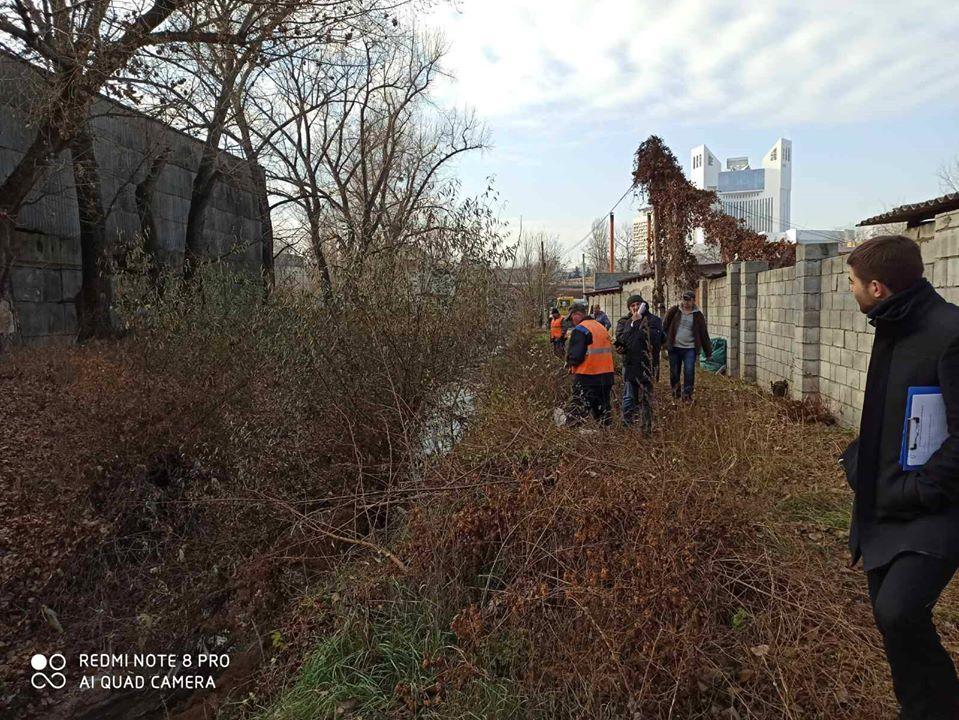/FOTO/ Ce riscă antreprenorii și persoanele fizice care deversează deșeurile în râul Bâc
