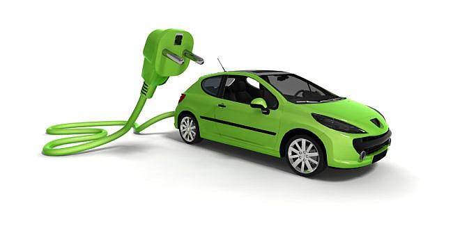 Mai mulți cetățeni cer Guvernului păstrarea cotei de acciz pentru automobilele hybrid în mărime de 50%