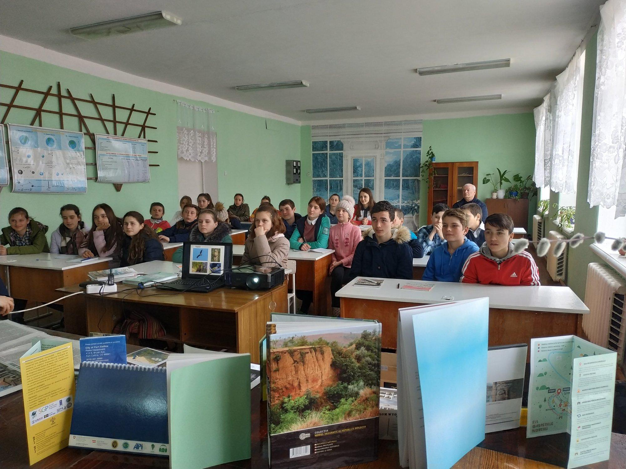 Lecţie despre interpretarea patrimoniului pentru elevii de la Marcăuţi