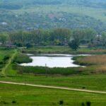 Peste o mie de lacuri de pe cursul râurilor din Moldova sunt construite ilegal sau degradate