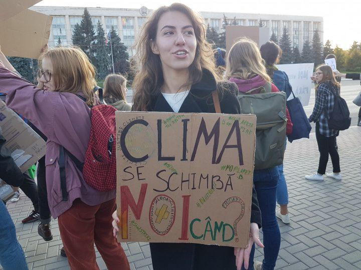 DOC/ Mai mulți deputați cer declararea crizei de mediu în Moldova