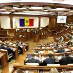 Parlamentul R. Moldova anunță că a renunțat la sticle de plastic începând cu 2020