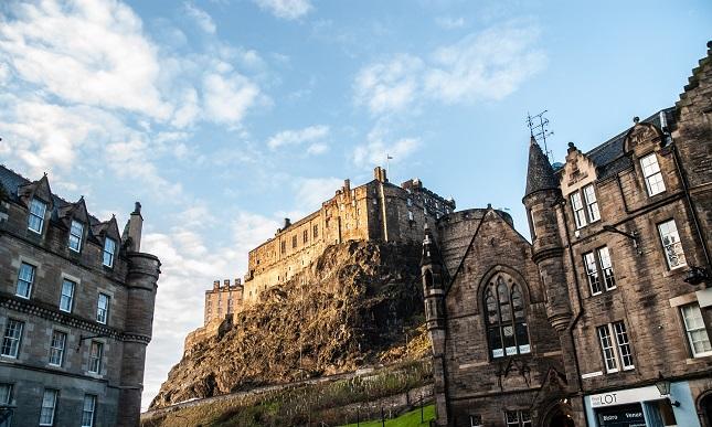Edinburgh-Castle-Scotland_2