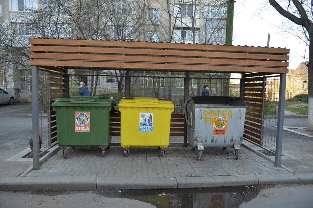 Locatarii blocurilor pot cere pedepsirea persoanelor străine care aduc gunoiul pe platformele din preajmă