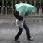 Cod GALBEN: În următoarele ore se așteaptă ploi și vijelie