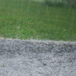 Ploi, grindină și vijelie. Meteorologii au emis un nou cod GALBEN