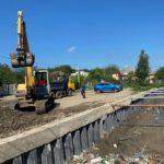FOTO/ Au început lucrările de curăţare şi adâncire a albiei râului Durleşti
