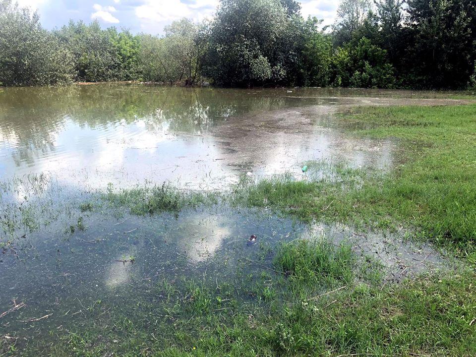 FOTO/ Nivelul apei râului Prut în regiunea Ungheni a ajuns la cote îngrijorătoare
