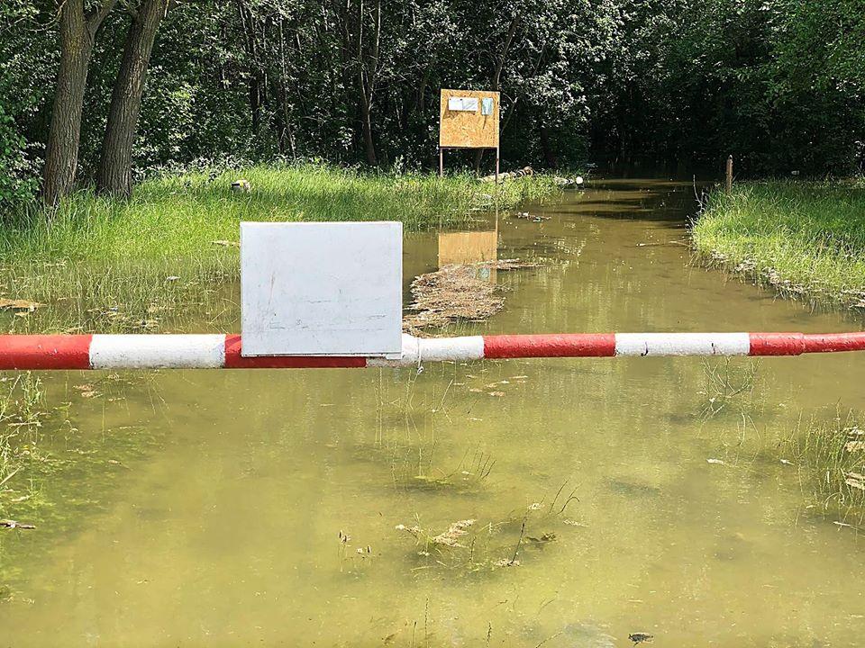 FOTO/ Risc major de inundații la Ungheni