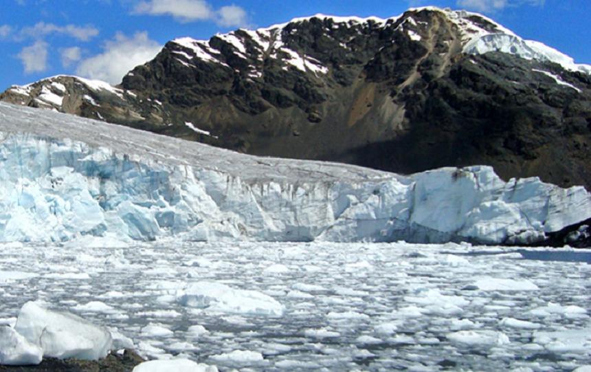 Peste jumătate din suprafaţa gheţarilor din Peru, topită din cauza încălzirii globale în ultima jumătate de secol, arată un raport