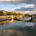 Șapte fluvii din Europa sunt poluate cu mănuși și măști de protecție