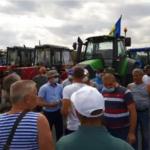 VIDEO/ Agricultorii protestează a patra zi. Guvernul anunță că s-a văzut cu reprezentanții fermierilor
