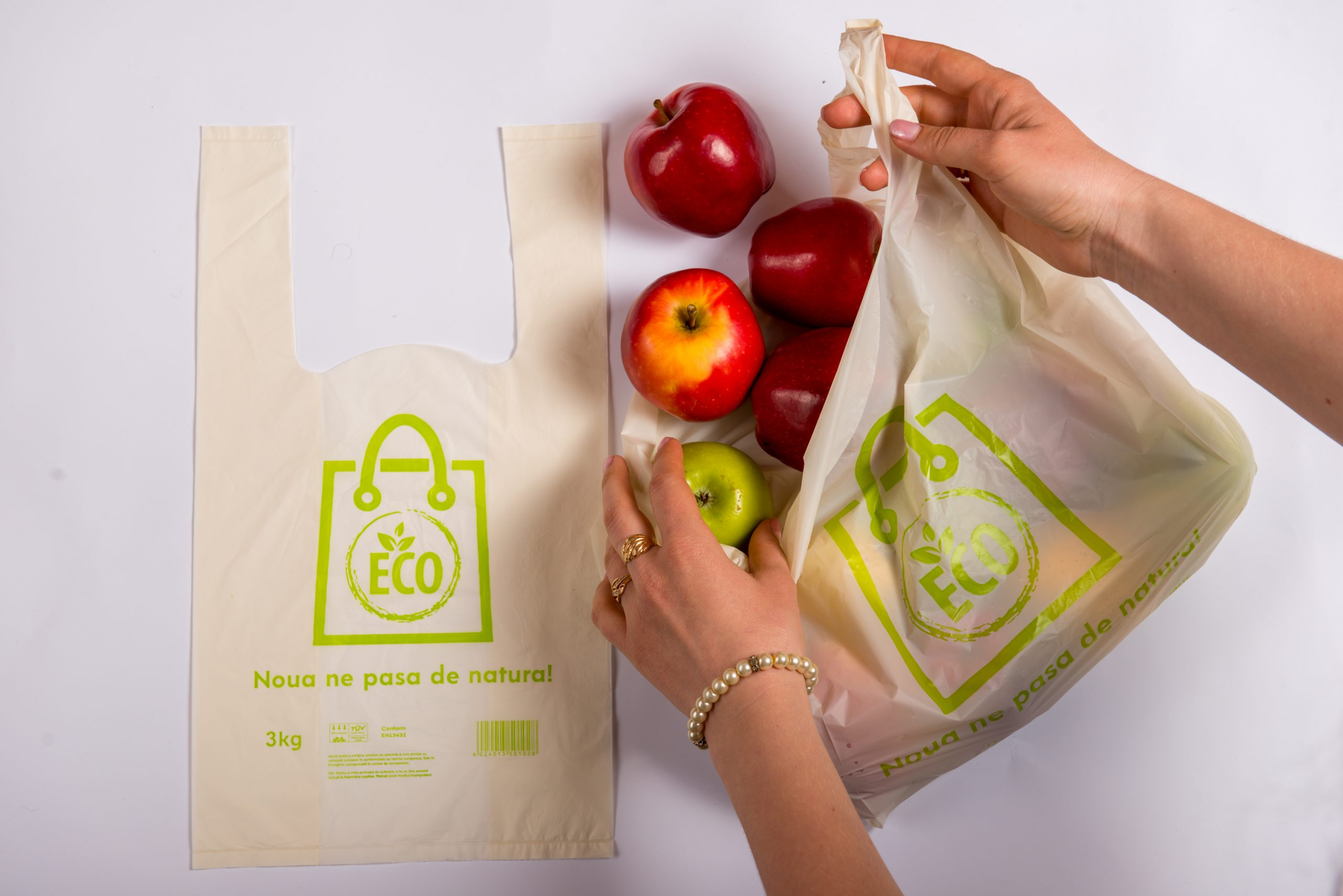 Cât de ecologice sunt noile produse din plastic biodegradabil, compostabil și biologic care intră acum in uz?