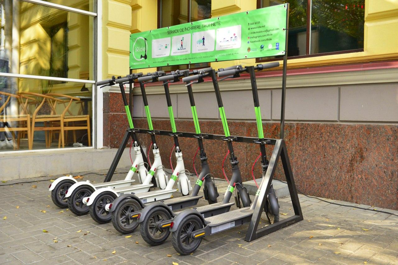 /FOTO/ Transport ecologic la Chișinău. În Capitală a fost lansat un serviciu de închiriere a trotinetelor electrice