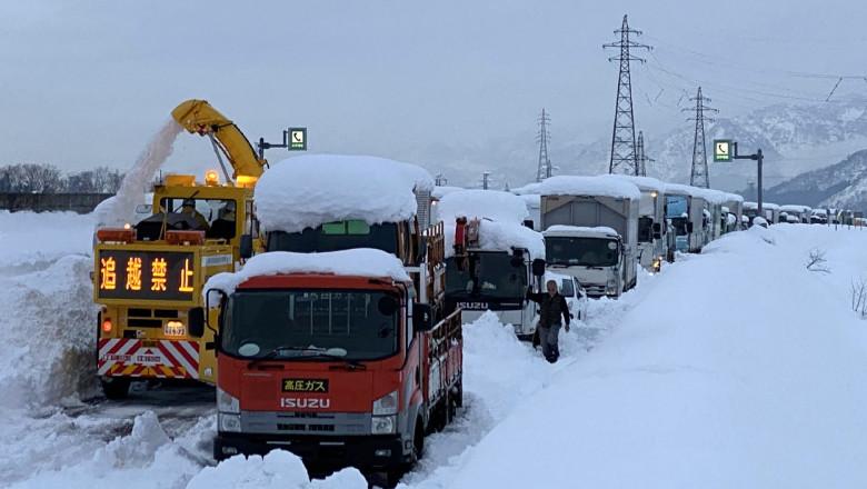 Iarna grea face ravagii în Japonia: opt morți, sute de răniți, strat de 1,5 metri de zăpadă în numai două zile