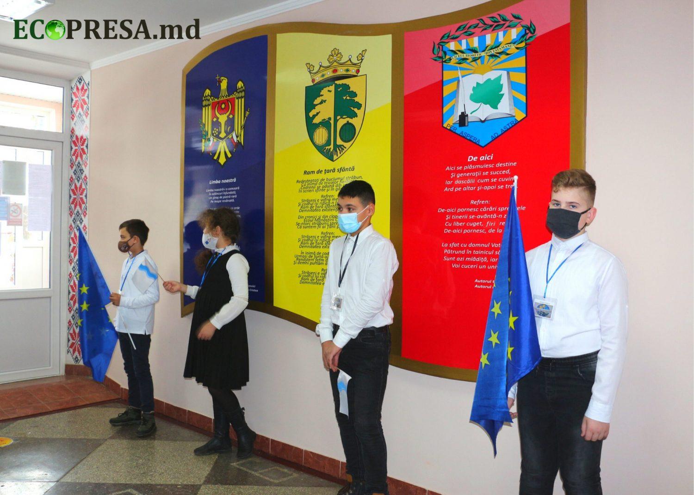 """VIDEO/ """"Vom avea căldură fără să punem pe foc"""". UE investește în condiții mai bune pentru sute de elevi din Strășeni"""