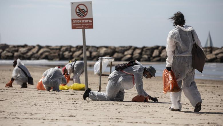 Israelul închide plajele mediteraneene în urma unei deversări de gudron