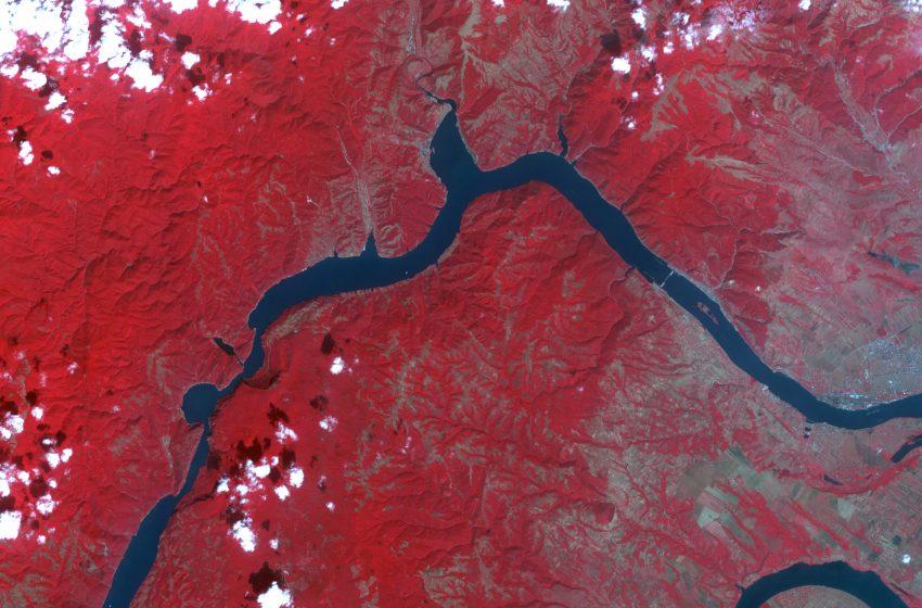Pământul văzut din spațiu. Imagini de la sateliții NASA și de pe Stația Spațială Internațională