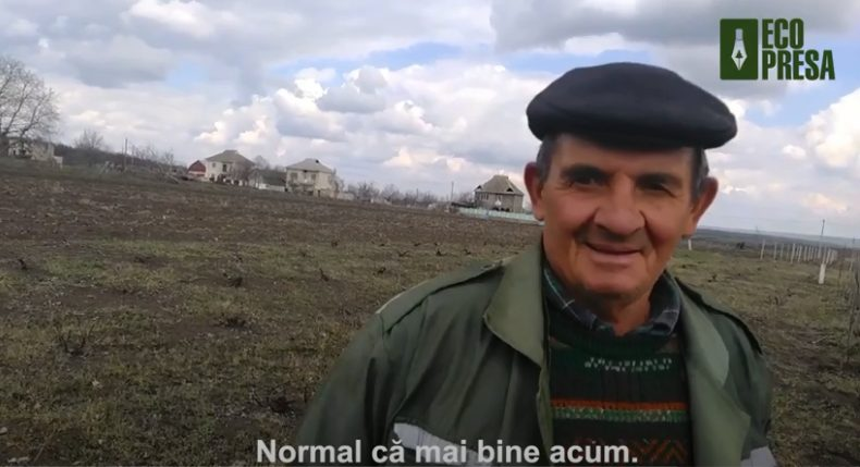 """VIDEO// """"Vrem să trăim bine, trebuie să achităm!"""" Sătenii din Mateuți, bucuroși că au apă, și-ar dori și canalizare"""