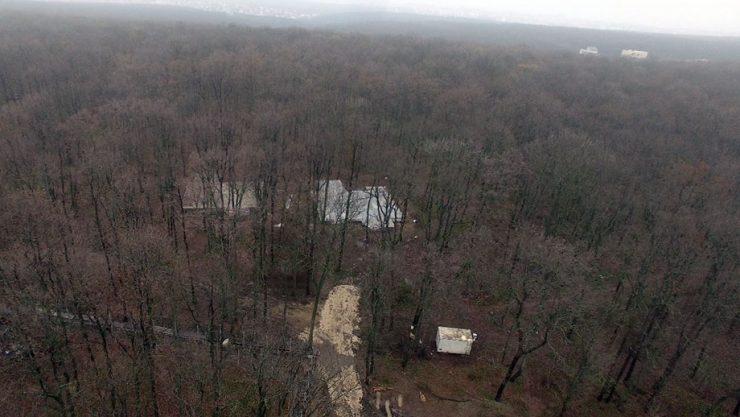 VIDEO/ Construcții din beton, ridicate în Pădurea Durlești, demolate