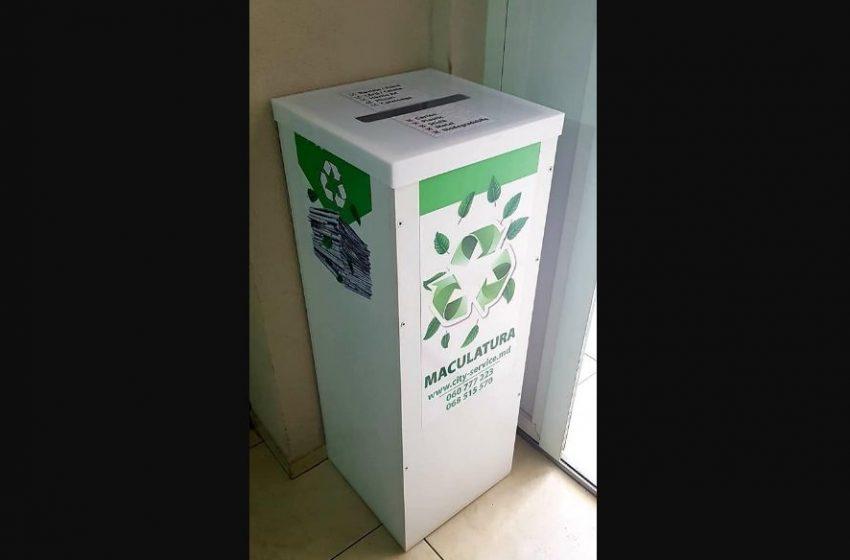 Cum să instalezi un container pentru colectarea hârtiei în blocul în care locuiți