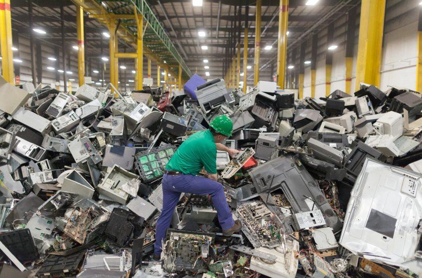 Moldova generează anual 10 mii de tone de deșeuri electronice. Condițiile în care am putea avea o fabrică de reciclare a e-deșeurilor în țară
