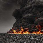 Coloane de fum negru în Kuwait. A luat foc cea mai mare haldă de anvelope din lume