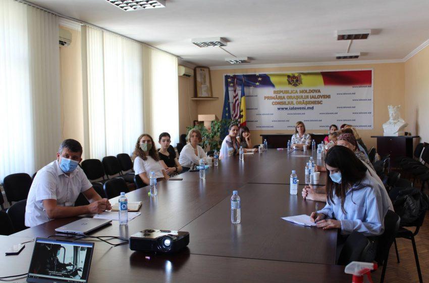 Serviciile publice de calitate și prietenoase mediului. Tema discutată la o întâlnire comunitară în orașul Ialoveni