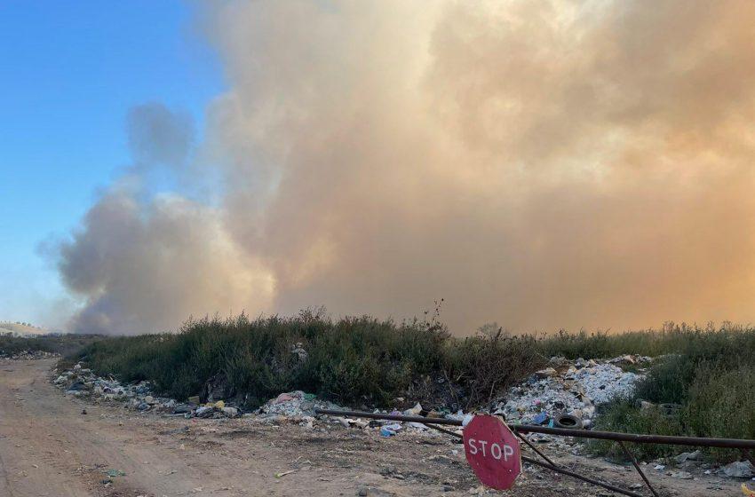 FOTO: Poligonul de deșeuri din Vulcănești, cuprins de flăcări