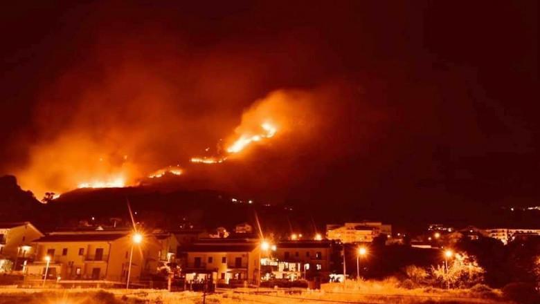 Cod Roșu de caniculă în Grecia, în zilele următoare – temperatura va ajunge până la +47 de grade Celsius