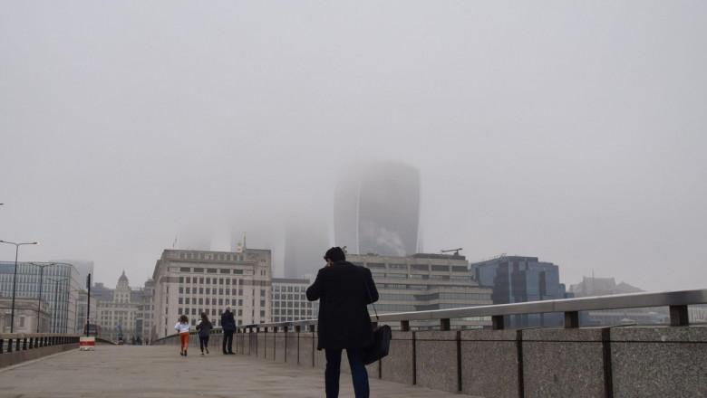 Studiu: Poluarea aerului crește severitatea bolilor mintale. Riscul de internare în spital crește cu 18%