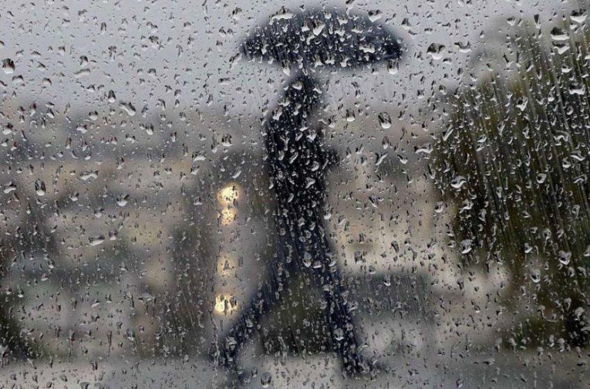 Sunt așteptate ploi cu grindină. Meteorologii au emis cod GALBEN de instabilitate atmosferică